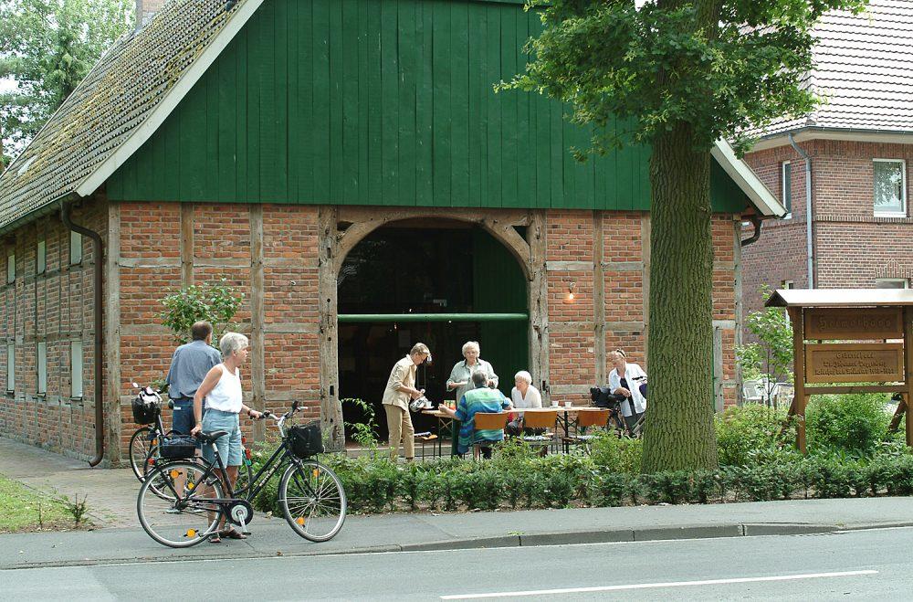 Ostbevern Touristik e.V. - Rast am Heimathaus_DSCF5147