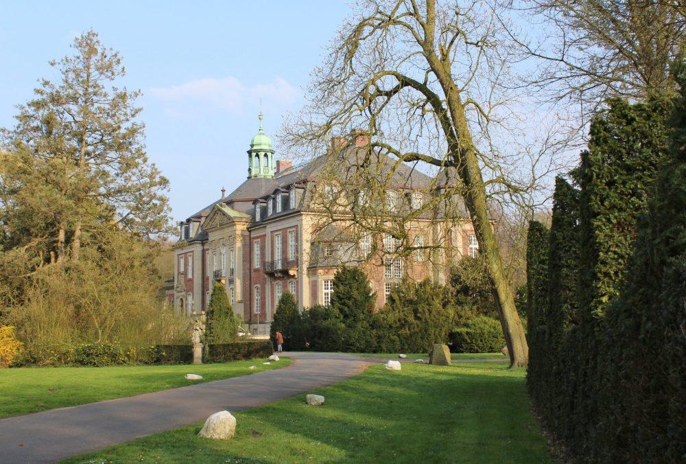 Ostbevern Touristik e.V. - Schloss Loburg Zufahrt