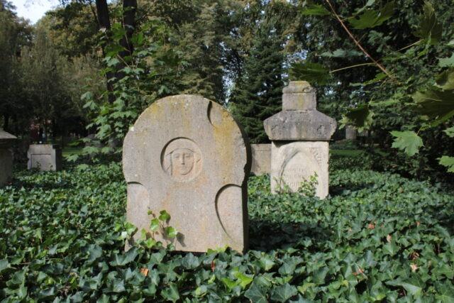 """""""Auf dem alten Friedhof"""""""